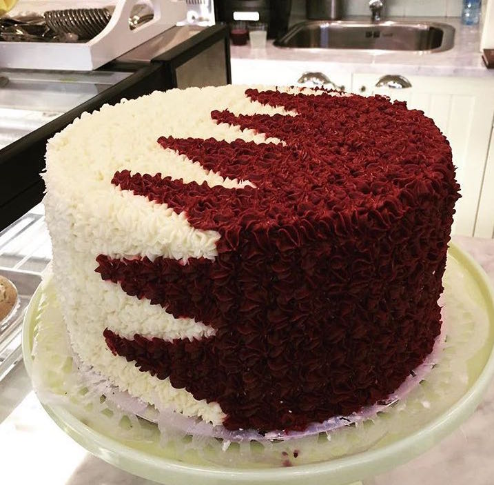 Qatar National Day Round 2kg Cake