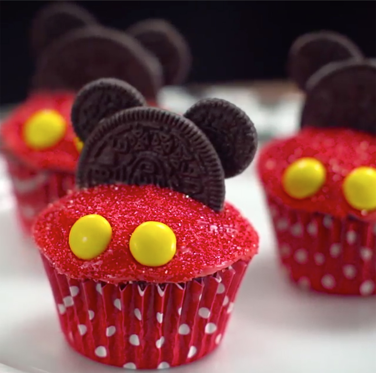 6 Mickey Mouse Cupcakes