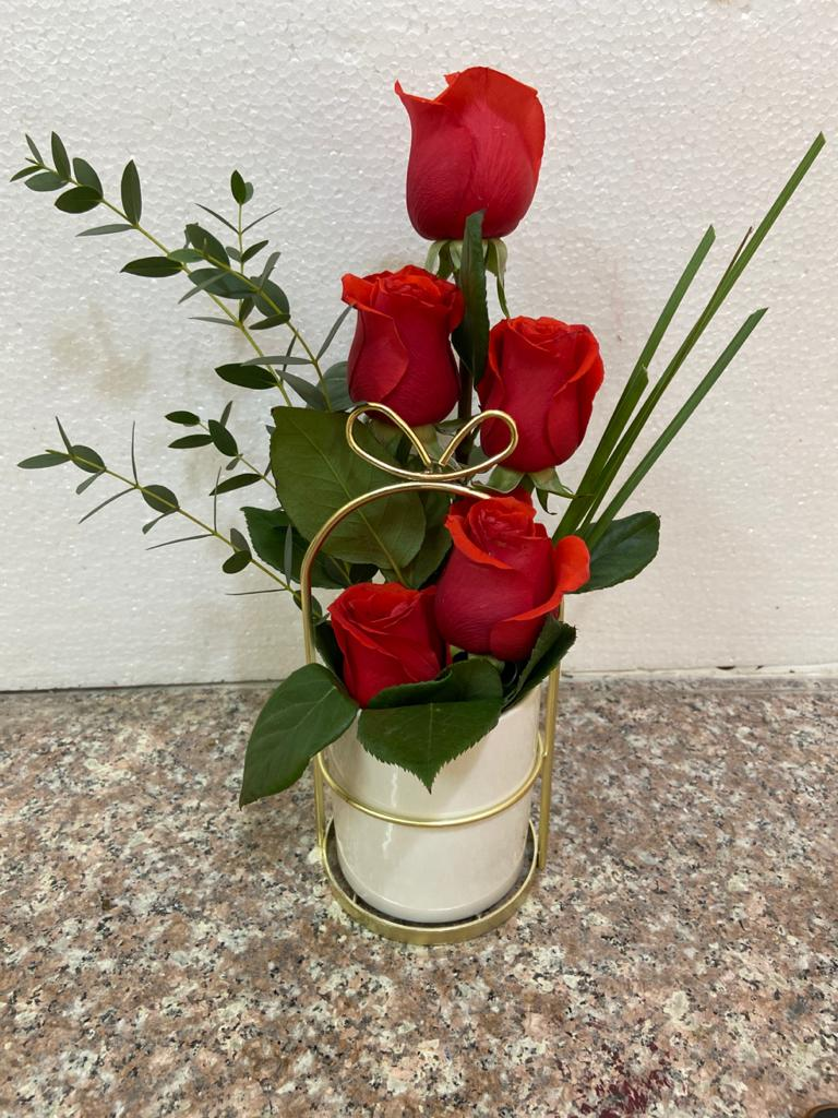 Roses with ceramic vase with gold frame