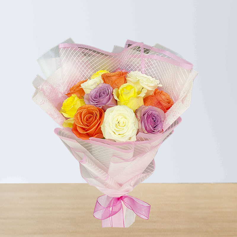 12 Mix Roses Hand Bouquet