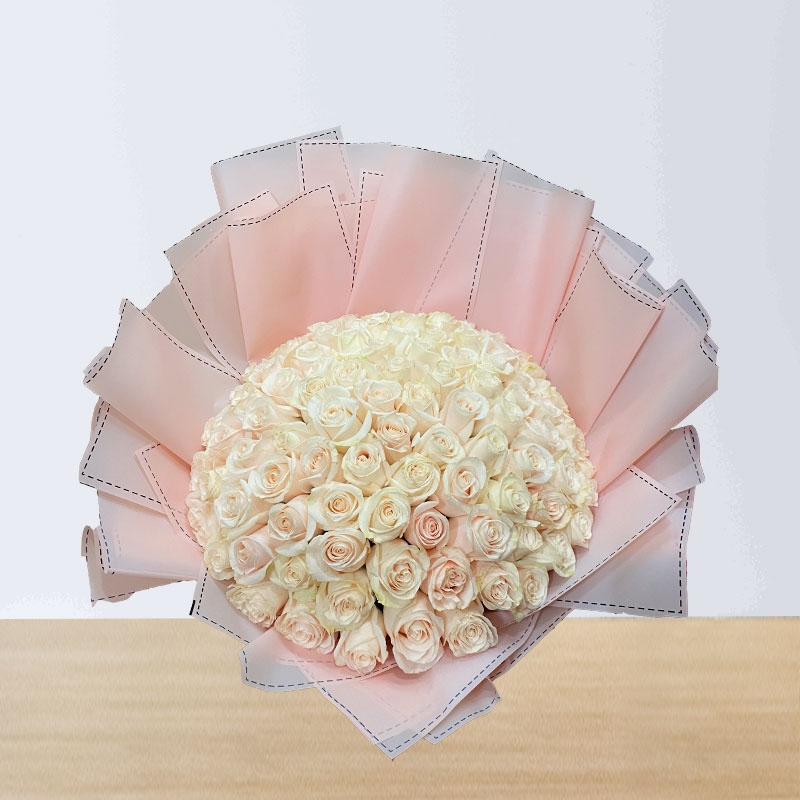 70 White Rose Long Bouquet