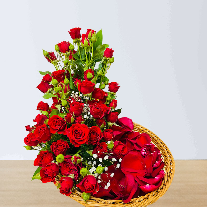 Red Spray Rose Basket