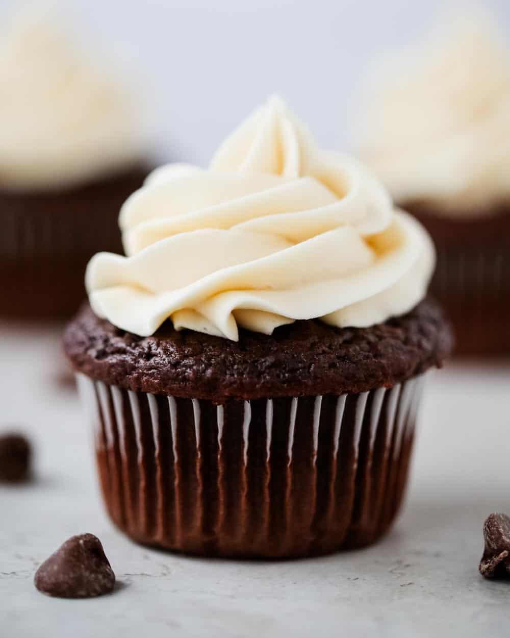 Chocolate-cupcakes With Vanilla